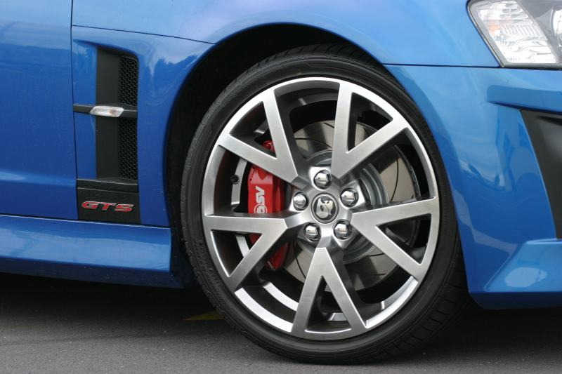 HSV GTS 317kW wheel