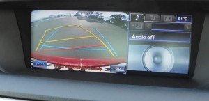 lexus-gs300-f-sport-2014-reversing-camera