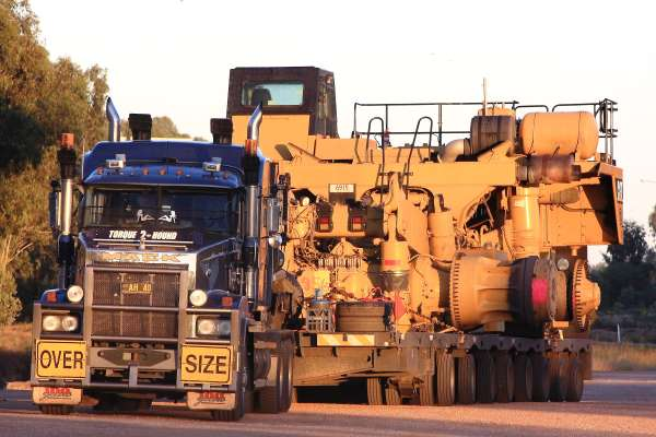 This oversized load in Australia would be challenging to transport in the UK