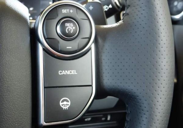 range-rover-sdv8-2014-heated-steering-wheel