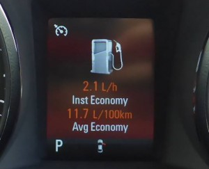 fuel economy holden commodore