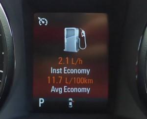 fuel economy holden commodore
