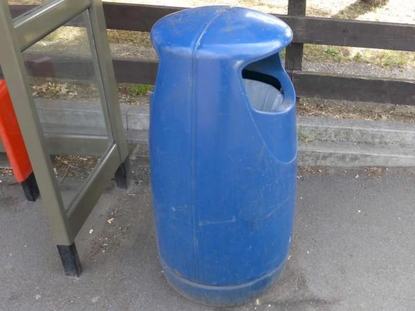 rubbish bin 1